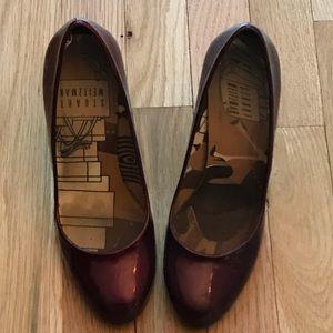 Stuart Weitzman Shoes - Stuart Weitzman dark shimmery red heels 👠